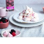 Beetroot meringue kisses